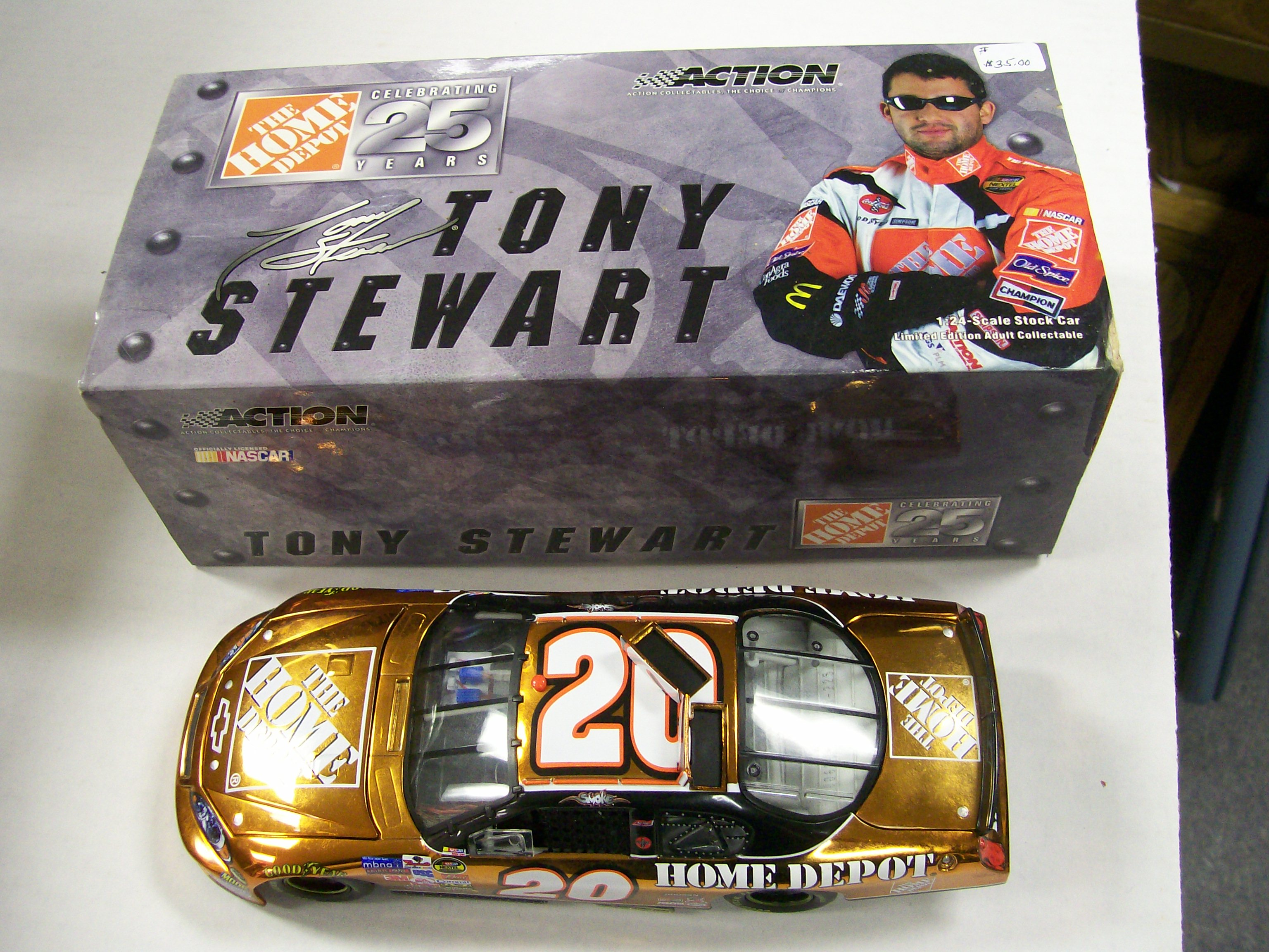 Tony Stewart 25 years Nascar Home Depot 1/24 scale Monte Carlo