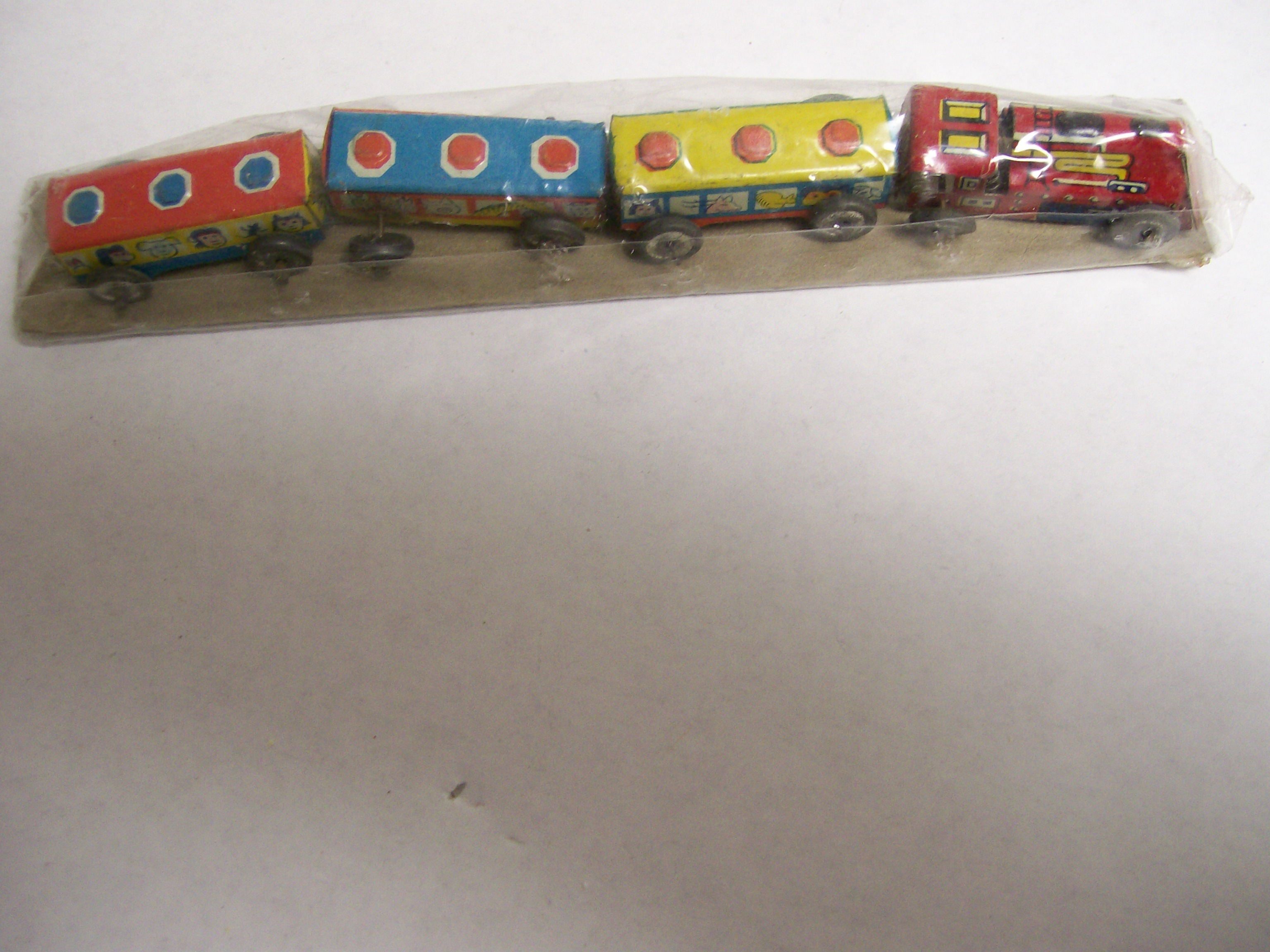 Rare tin litho train from Japan 1930's with metal wheels