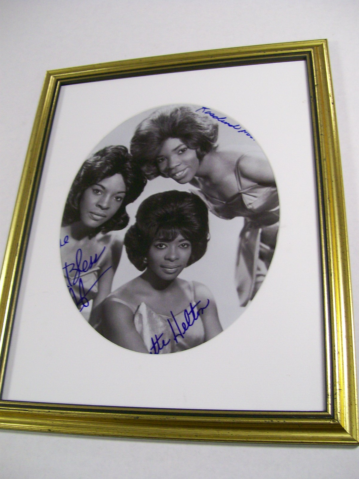 Martha & The Vandellas Signed Photo/COA & Photo Signing