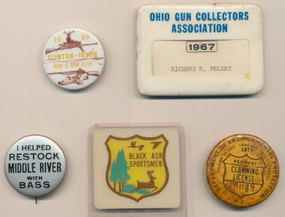 Pinback Button Badge Collection - Fishing Clamming Rod & Gun ++