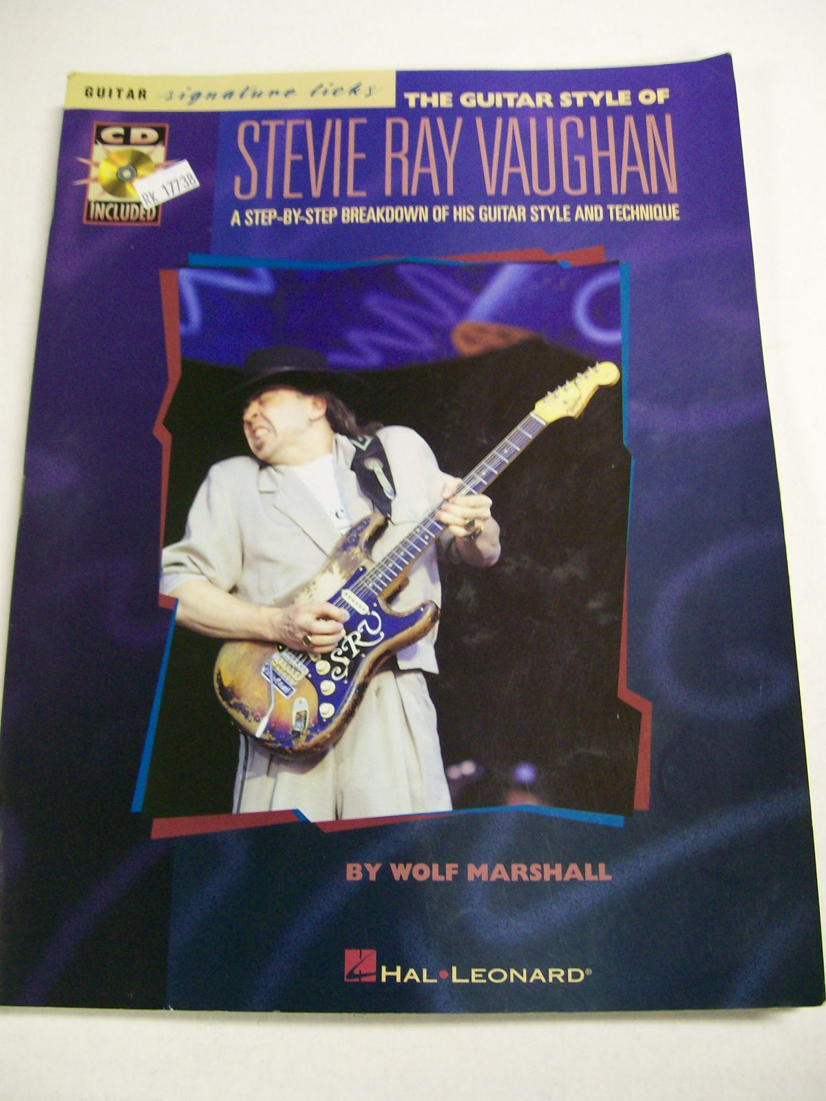 Book/ Guitar Style of Stevie Ray Vaughan Hal Leonard/CD
