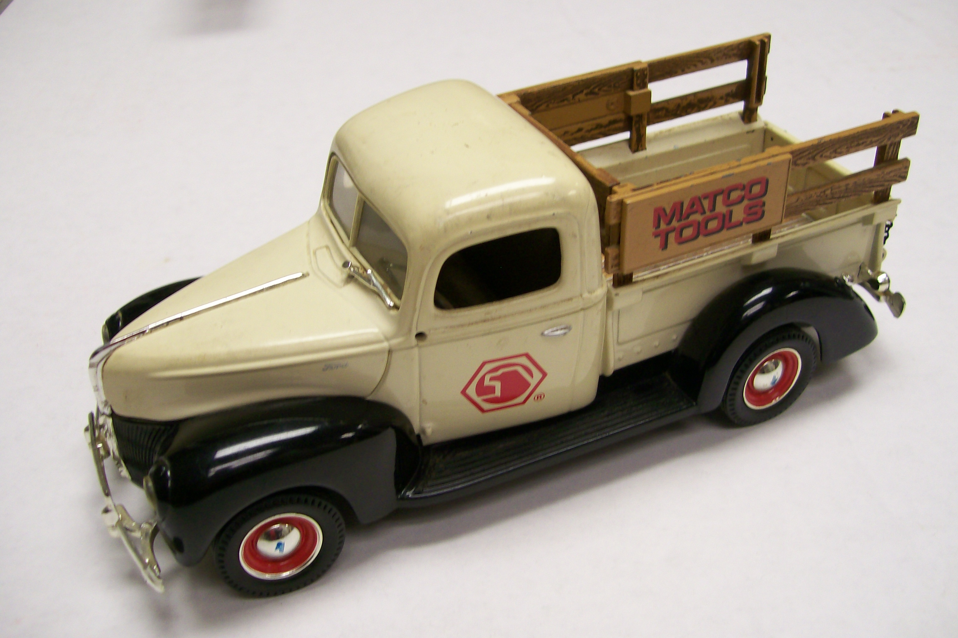 Ertl 1940 Ford Pickup Truck Advertising Matco Tools Wood rails
