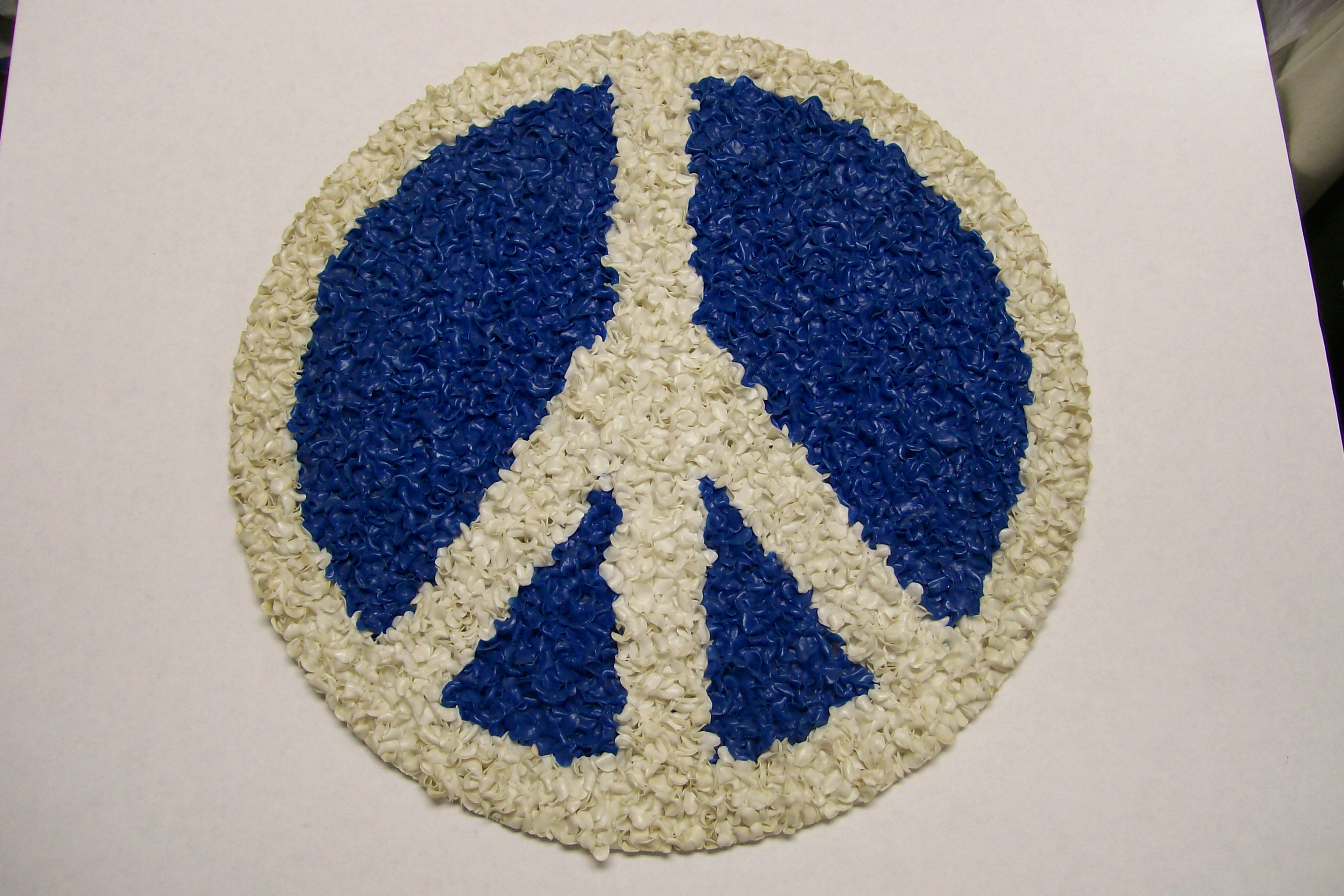 "13 1/2"" Diameter Blue & White Peace Sign Flower Pedals"