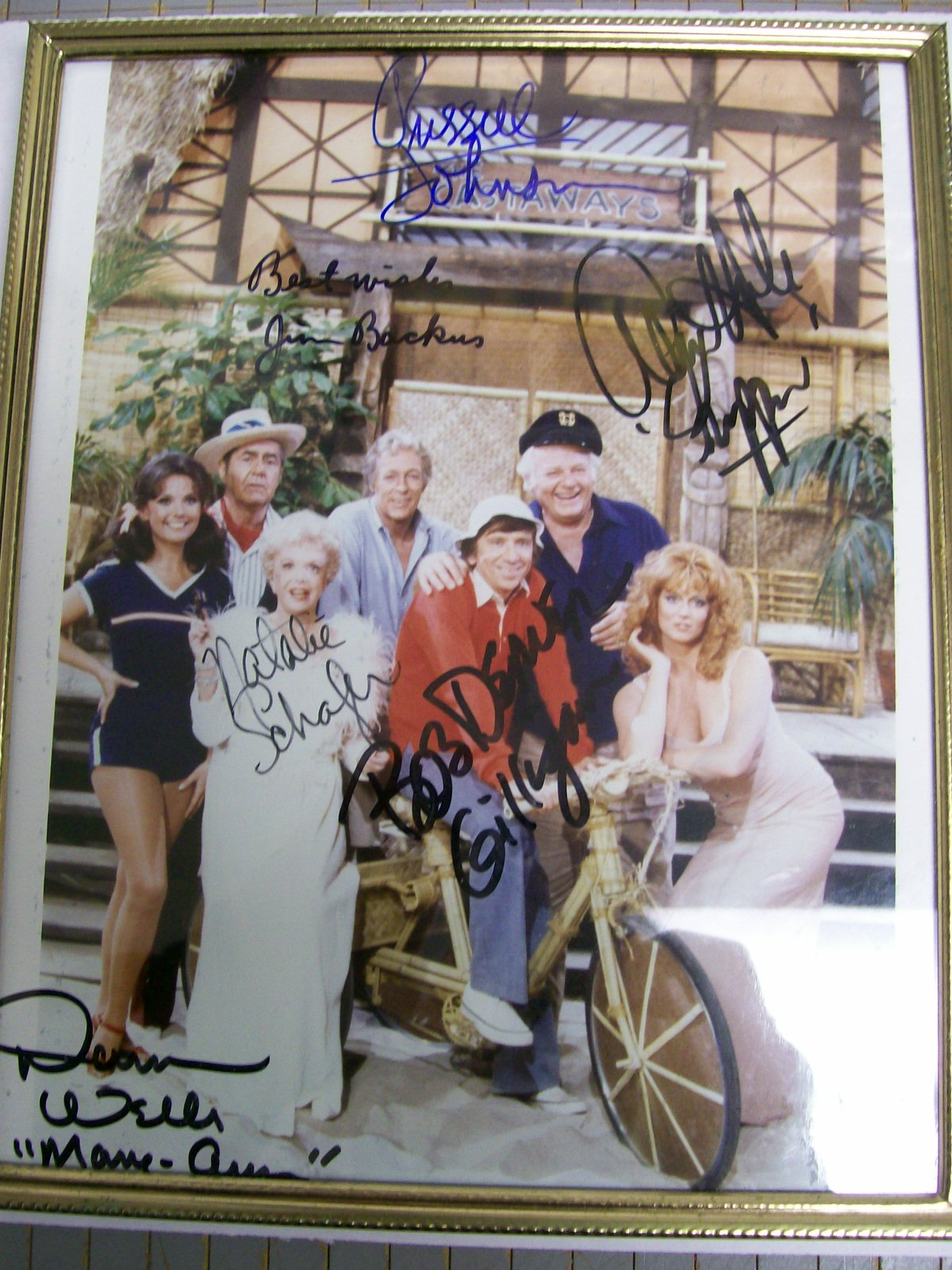 GILLIGANS ISLAND SIGNED COLOR PHOTO of the CAST