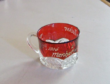1906 Manhattan NYC Souvenir Ruby Flash Glass Cup - Button Arches