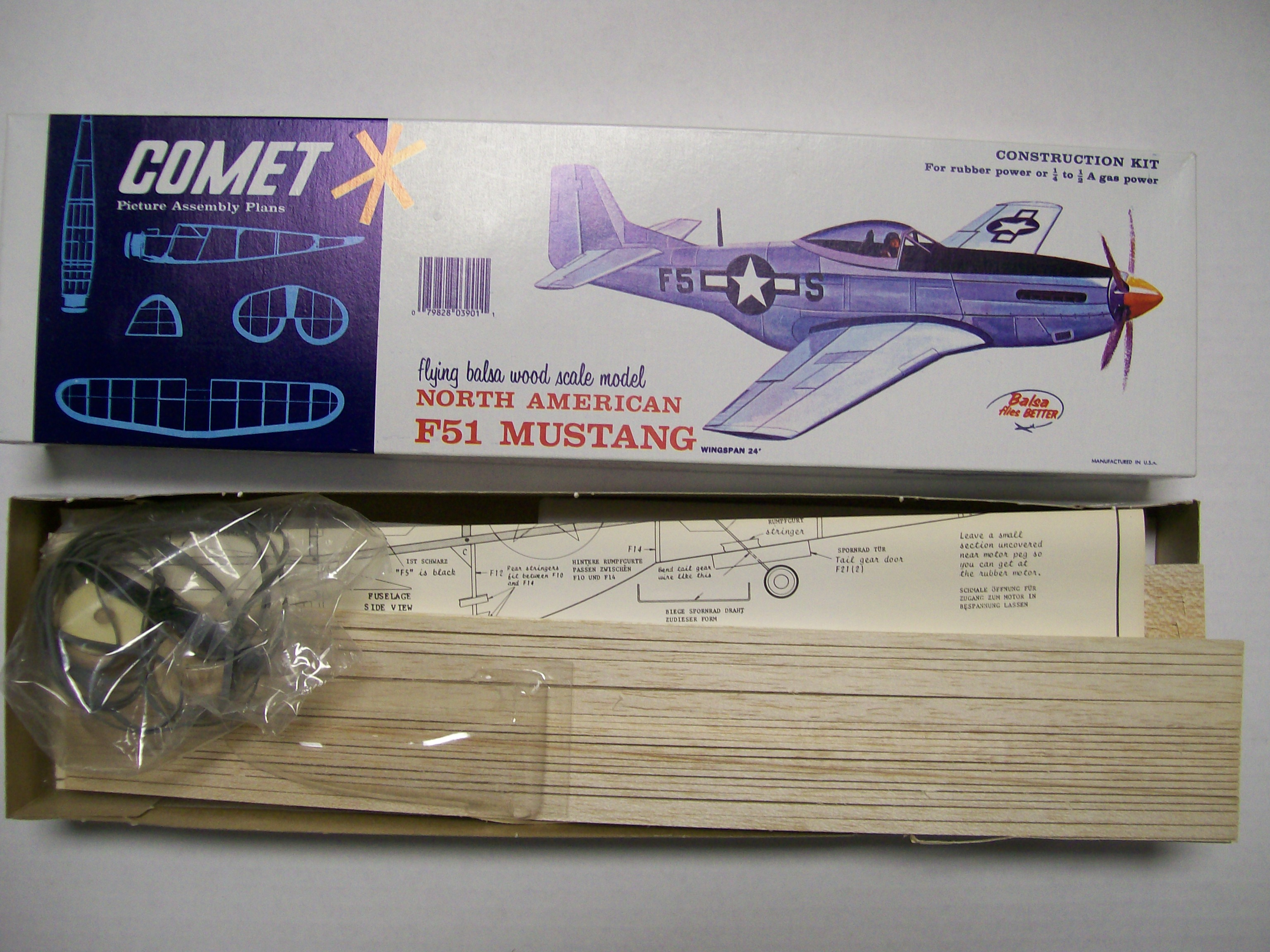 Comet F-51 North American Mustang Construction Kitt Balsa Wood